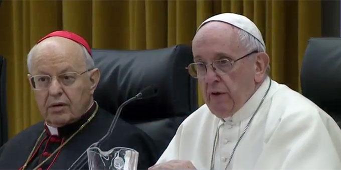Papst Franziskus beantwortet die Fragen junger Delegierter zum Auftakt der Vorsynode in Rom  (Foto: Bildausschnitt der ctv-Liveübertragung)