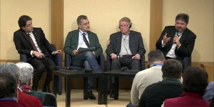 Podiumsgespräch: Salvatore Martinez, Aurelio Molè, P. Michael J. Marmann, D. Angelo Romano (Foto: focolare.org)
