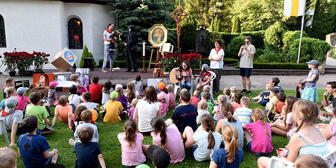 Gute-Nacht-Geschichte mit der Kapellchenmaus für die Kinder (Foto: Kröper)
