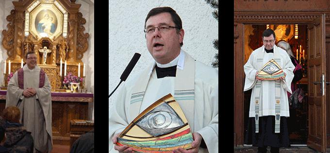 22. Januar 2017 im Heiligtum von Dietershausen bei der 50- Jahr-Feier des Gründerbesuchs. Pfarrer Schäfer gibt den Segen mit dem Vatersymbol, das Pater Kentenich hier angebracht hatte. (Fotos: privat)