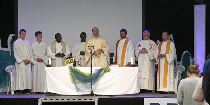 Hauptzelebrant war Pater Frank Riedel (Foto: Carolin Poppe)
