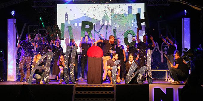 Eröffnungsshow der NdH im Festzelt (Foto: NdH)