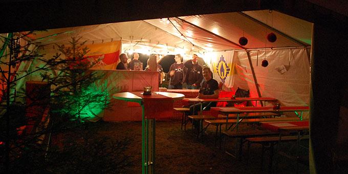 Alles bereit - die Gäste können kommen und feiern (Foto: Brehm)