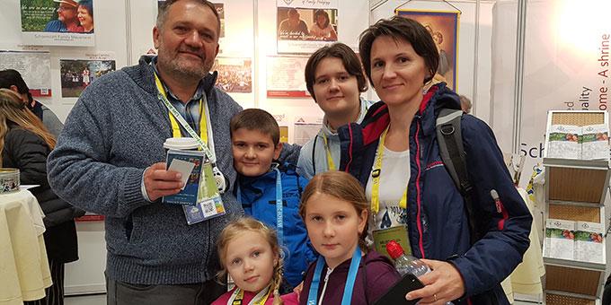 Einige der Schönstattfamilien waren mit ihren Kindern gekommen (Foto: Wieland)