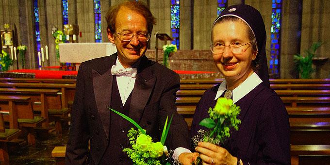 Prof. Grube mit Schw. Faustina Niestroj (Foto: Jedicke)