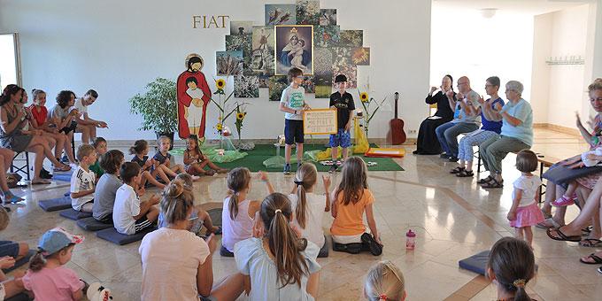 Sommertagung Mütter und Kinder: Tagesbeginn in der Puzzler-Zentrale (Foto: SrAl)