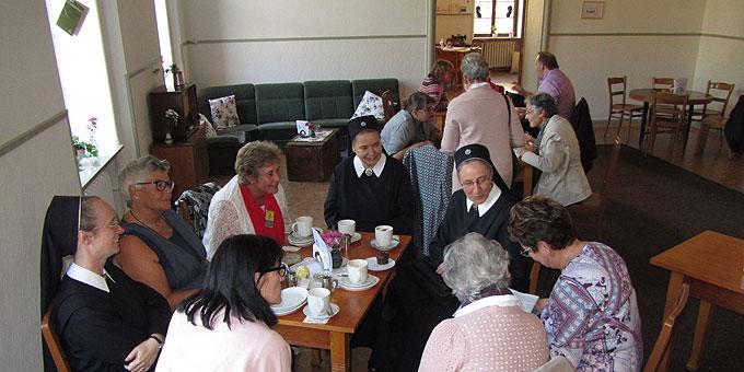 Miteinander: sich im Café Kentenich verwöhnen lassen. (Foto: SFM)