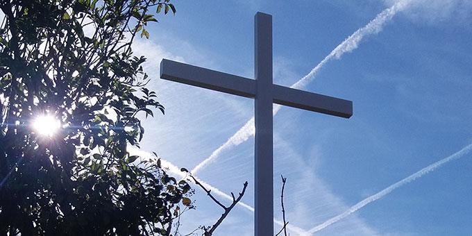Das neue Kreuz auf dem Todesacker von Josef Engling in Cambrai, Frankreich (Foto: Inge Wilhelm)