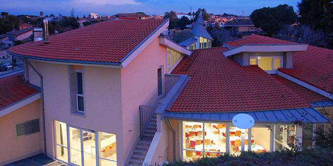 Das Zentrum im Abendlicht (Foto: Brehm)