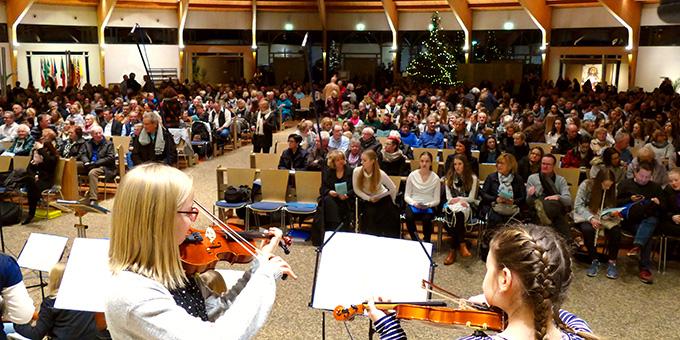 Konzert vor großem Publikum (Foto: Schmitz)