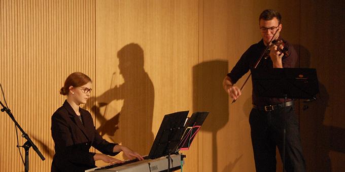 """Das Duo """"Viano"""", Clara und Bernhard Plechinger, Niederwerth (Foto: Brehm)"""
