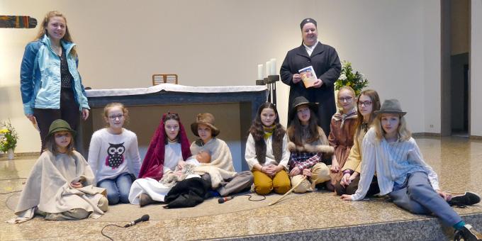 Schülerinnen der Schönstätter Marienschule bei den Besinnungstagen im Einsatz (Foto: Pilgerzentrale)