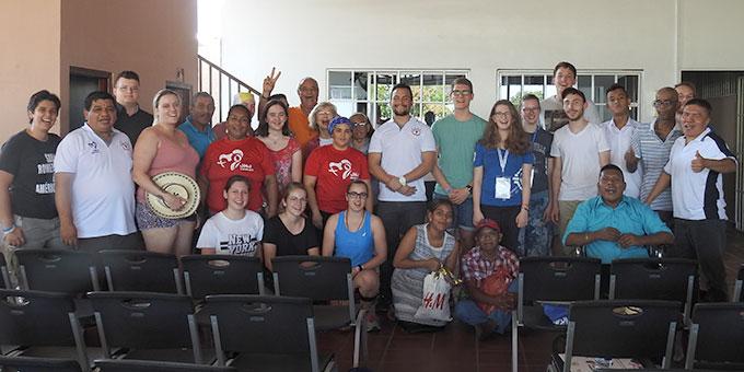 Besuch in einem Projekt der AIDS-Hilfe (Foto: McClay)