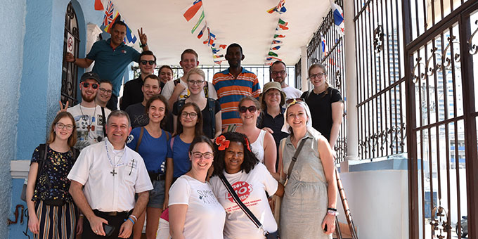 Die Besucher aus Deutschland und einige Mitarbeiter (Foto: Cyganik)