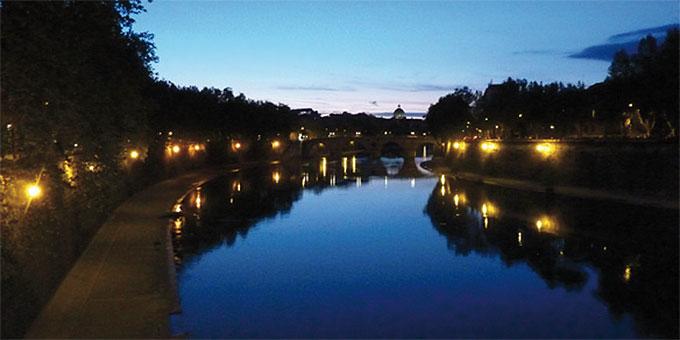 Am Tiber entlang zum Petersdom (Foto: Zipfel)