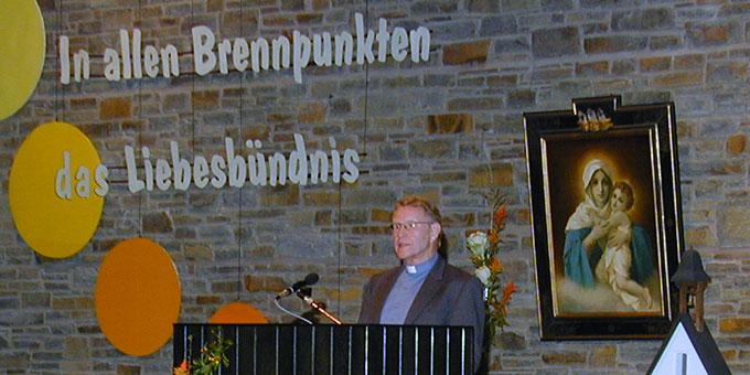 2007 bei einem Vortrag zum Thema Ökumene in der Aula der Anbetungskirche (Foto: Brehm)