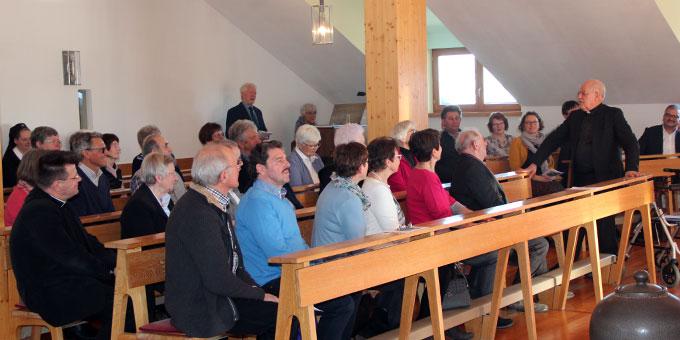 Pfarrer Erehard dankte nach einer Schlussandacht seinen Gästen für ein gelungenes Fest (Foto: Stefan Loriz)