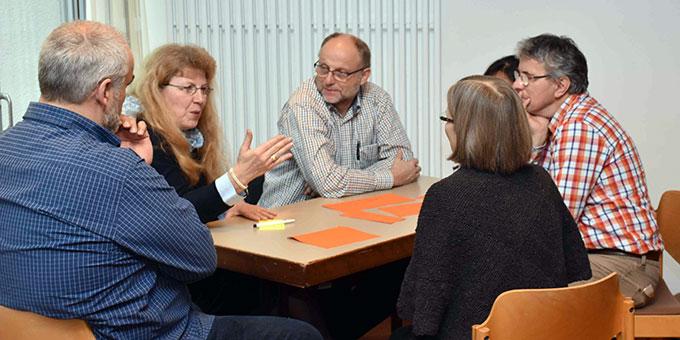 Zukunftsfragen werden lebhaft diskutiert (Foto Michael Schulze)