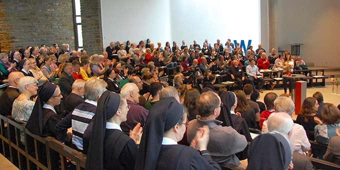 Plenum zur Zentralwertsuche (Foto: Brehm)