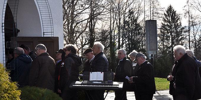 Die Männer zieht es ins Schönstattheiligtum Aulendorf (Foto: Nässler)