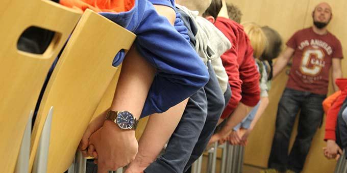 Jugendwochenende in Münster: Schnelligkeit ist gefragt - Hand in Hand die Signale weitergeben (Foto: A. Imwalle)