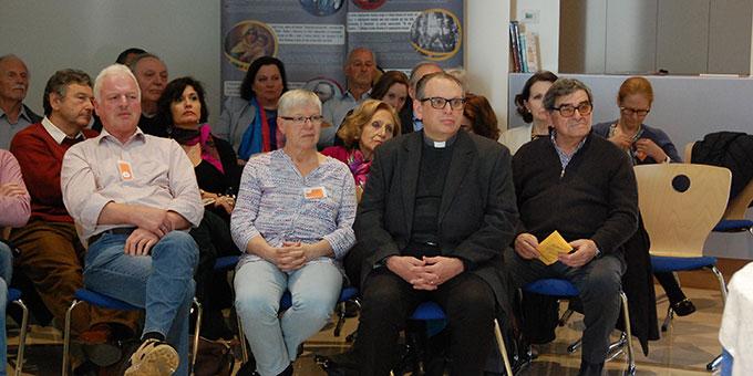 Hausrektor Don Marcelo Cervi freute sich, viele italienische Gäste begrüßen zu können (Foto: Brehm)