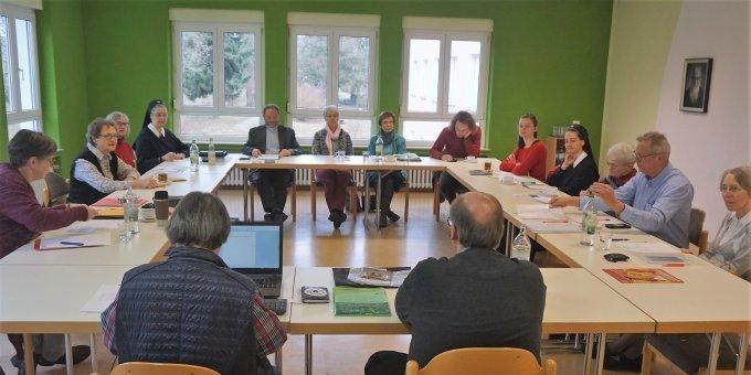 3)Zum vorletzten Mal in dieser Zusammensetzung: der Würzburger Diözesanfamilienrat (Foto: Fella)
