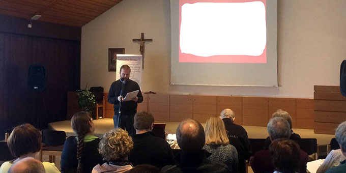 """Pater Stefan Strecker: """"Gott hält für uns Menschen immer den Daumen nach oben"""" (Foto: Brantzen)"""