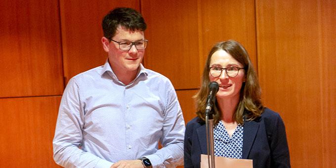 """Martina und Daniel Gröber, Hochdorf, referieren beim Candlelight-Abend """"Ein Abend zu Zweit"""" im Schönstattzentrum Stuttgart-Freiberg (Foto: Burkhart)"""
