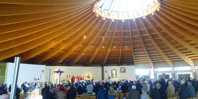 Über 500 Pilger waren zur Palmsonntagsliturgie in die Pilgerkirche nach Schönstatt gekommen (Foto: Pilgerzentrale)