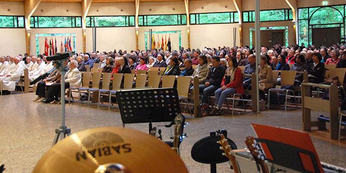 Über 400 Personen nahmen an Bündnisgottesdienst in der Pilgerkirche teil (Foto: Brehm)