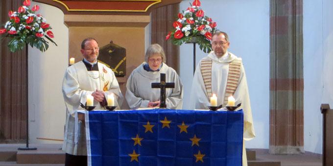 v.l.: Pfr. Josef Treutlein, Schönstatt, Sr. Caecilia Roos, Communität Casteller Ring, Pfr. Matthias Leineweber, Sant´Egidio (Foto: Ulrike Shanel)