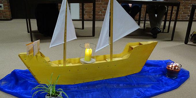 """Mit dem Schiff auf die hohe See des """"Abenteuers Ehe"""" (Foto: Rechtien)"""