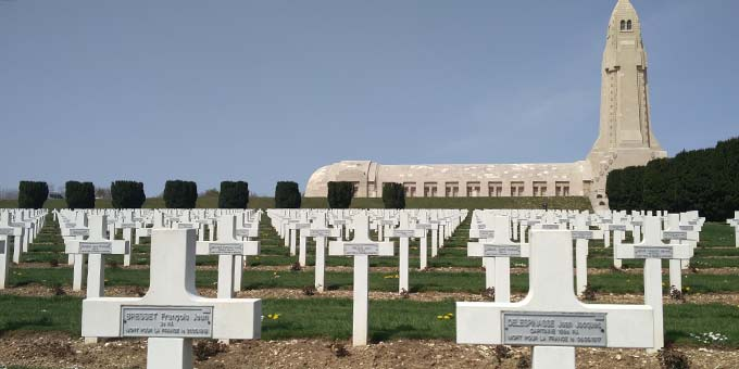 Gräberfeld bei Verdun (Foto: Floria Schinder)
