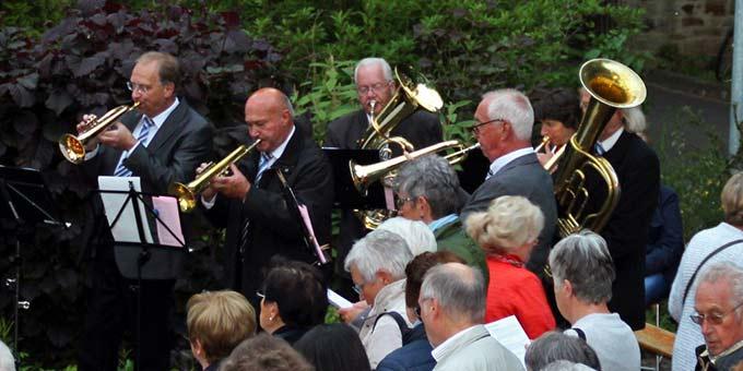 Ein Bläserensemble begleitete den Gesang der Gemeinde (Foto: H. G.- Schmitz)