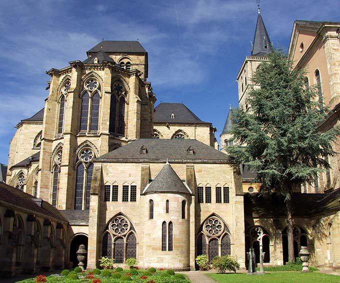 Liebfrauenkirche Trier (Foto: 272222 original RKB by Thomas Max Müller, pixelio.de)