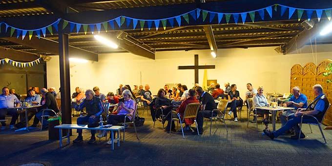 Abendunterhaltung beim Pilgerhaus (Foto: Pilgerzentrale)