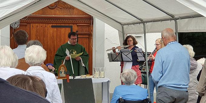 Ein Gottesdienst am Schönstatt-Heiligtum Oermter Marienberg gehörte zum Fest der Begegnung (Foto: Clarissa Simon)