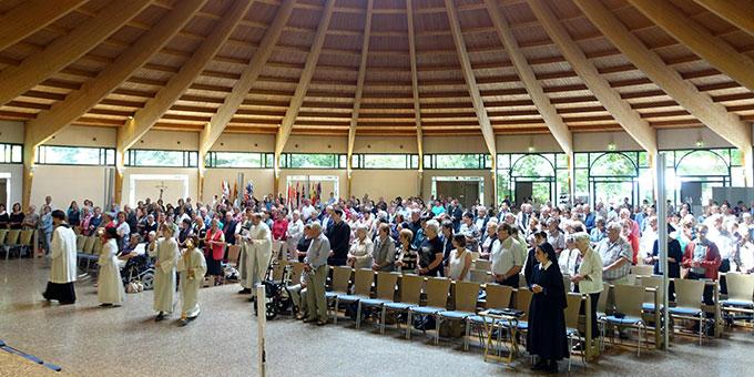 Festmesse aus Anlass 20 Jahre Kirchweih der Pilgerkirche in Schönstatt (Foto: Pilgerzentrale)