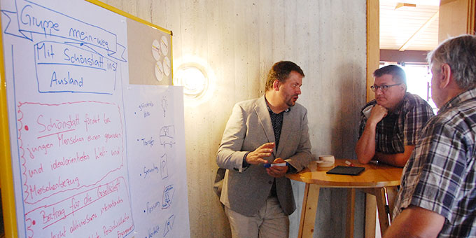 Informations- und Gesprächsangebote über verschiedene sozial-diakonische Projekte, die innerhalb der Schönstatt-Bewegung entstanden sind (Foto: Brehm)