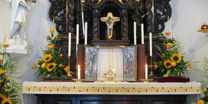 Eucharistische Anbetung im Urheiligtum in Schönstatt, Vallendar (Foto: Klein)