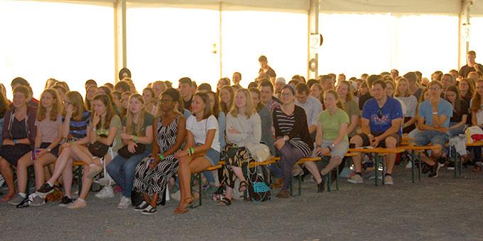 Ein aufgeschlossenes Publikum (Foto: Brehm)