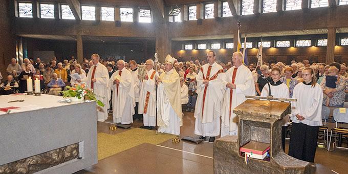 Weihbischof Wilfried Theising, Münster, feierte den Festgottesdienst beim Tag der Begegnung in der Schönstatt-Au, Borken (Foto: Klas Unland)