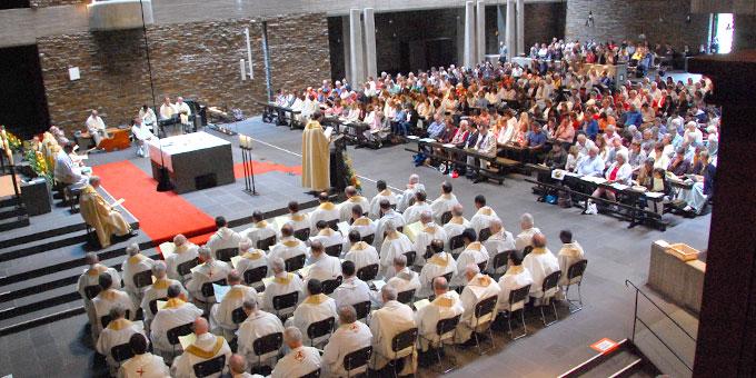 Festlicher Gottesdienst am Tag des Hörde-Jubiläums in der Anbetungskirche (Foto: Brehm)
