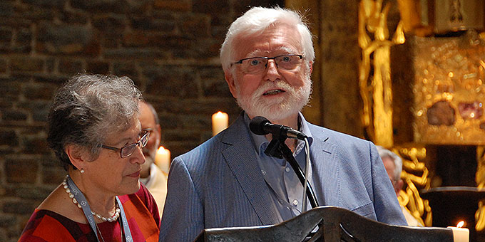 """Rosamaria und Josef Wieland, Hauptverantwortliche für das """"Hörde-Treffen"""", danken am Ende des Gottesdienstes allen Mitwirkenden, Helfern und Teilnehmern (Foto: Brehm)"""