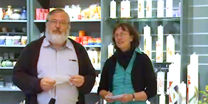 Claudia und Heinrich Brehm moderierten den Abend in den Räumen des Schönstatt-Verlages (Foto: schoenstatt-tv)