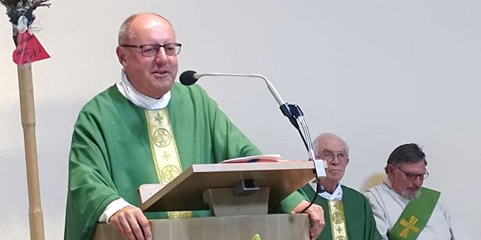 Diözesanleiter Pfr. Peter Falk bei der Predigt (Foto: Schönstatt Pilgerzentrale)
