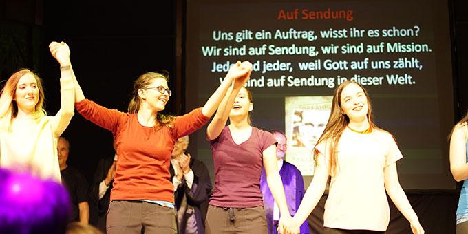 Schlussszene aus dem Musical: Gefährlich - Franz Reinisch (Foto: Calandra)