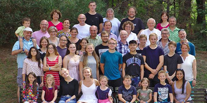 """Die Teilnehmer des """"seelischen Aktivurlaubs an der Adria"""" 2019 (Foto: Wittmann)"""