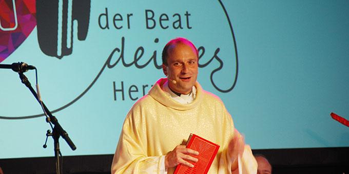 Hauptzelebrant des Schlussgottesdienstes der NdH ist Michael Maas, Direktor des Zentrums für Berufungspastoral (ZfB) der Deutschen Bischofskonferenz  (Foto: Brehm)